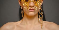 Schiaparelli: анатомия украшений