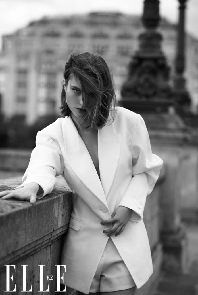 Парижский шик, комфорт и небрежность в специальной съемке Place Dauphine