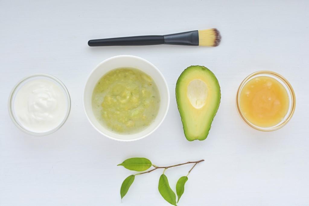 Готовим маски для лица дома. 3 эффективных рецепта для увлажнения кожи