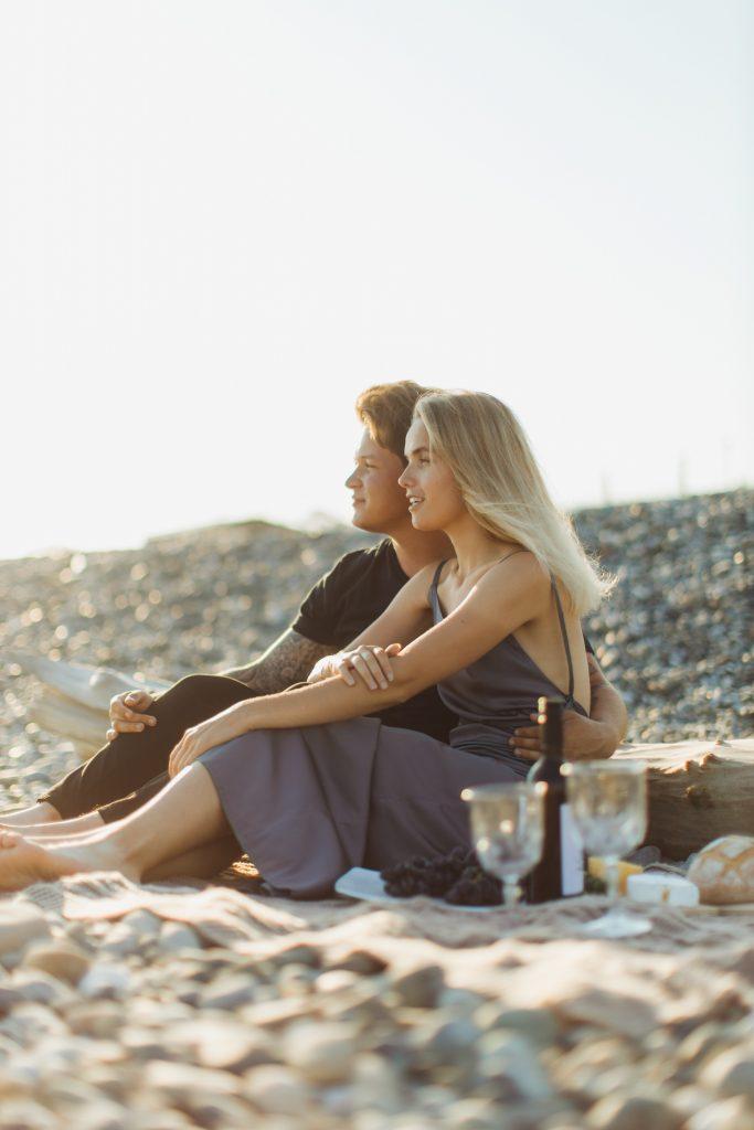 Какие 10 вещей делают по-настоящему влюбленные пары?