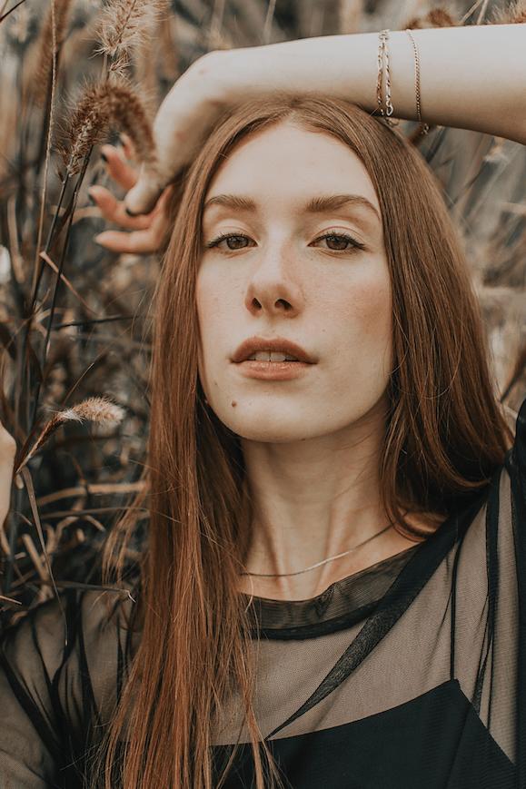 Женщина-Дева: характеристика знака зодиака