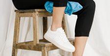 Можно ли стирать белые кроссовки в стиральной машинке?