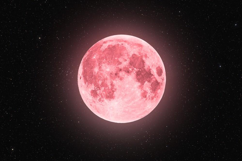 Розовое суперлуние в Скорпионе 27 апреля. Что нас ждет?