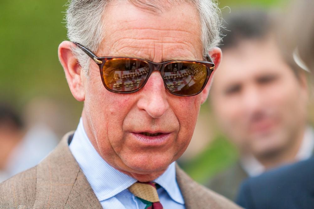 Поглаженные шнурки, 2 дюйма зубной пасты: какие еще причуды есть у принца Чарльза