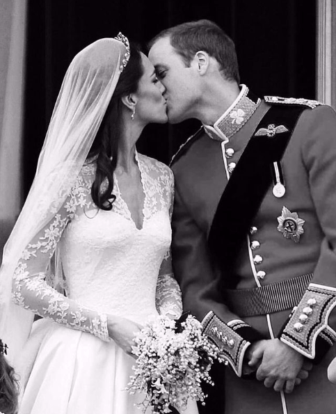 Кейт Миддлтон и принц Уильям: какая забавная история связана с их свадебным тортом?