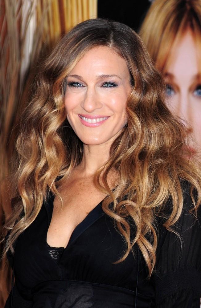 Сара Джессика Паркер: какой чудо-продукт придает объем ее волосам?
