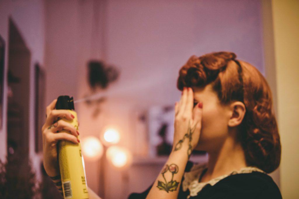Как идеально уложить волосы с помощью фена?