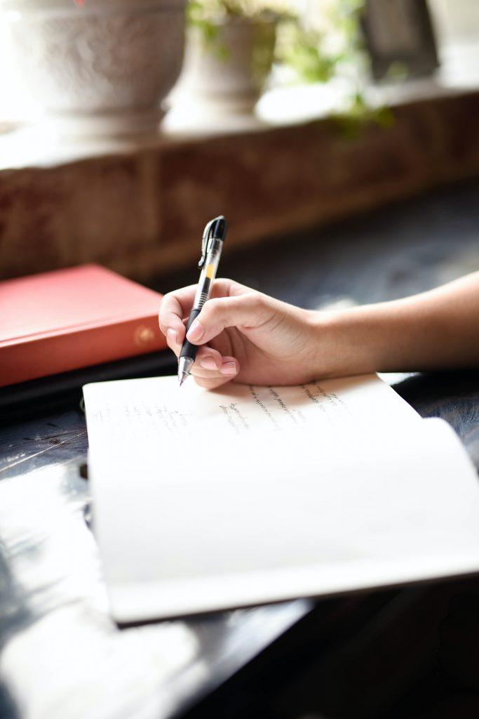 Графология: о чем говорит ваш почерк?