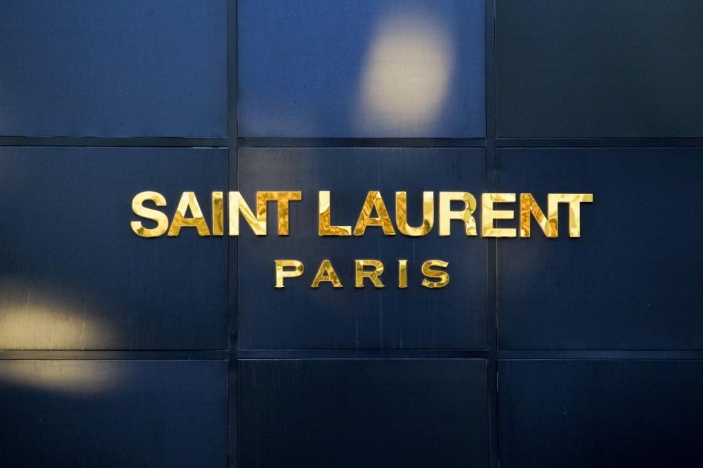 Saint Laurent снова будет показывать коллекции на Неделе моды в Париже
