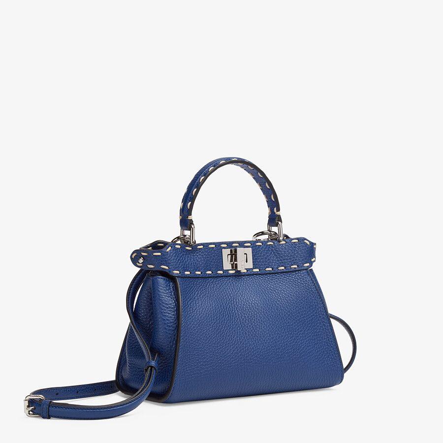 Fendi выпустил капсульную коллекцию сумок Peekaboo