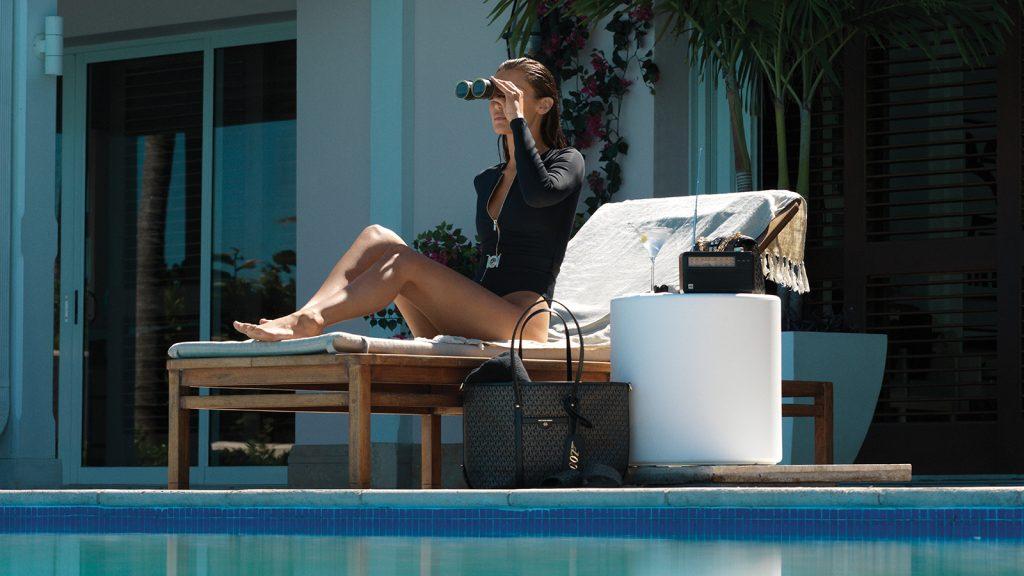 Michael Kors представляет капсульную коллекцию MMK x 007 с участием Беллы Хадид